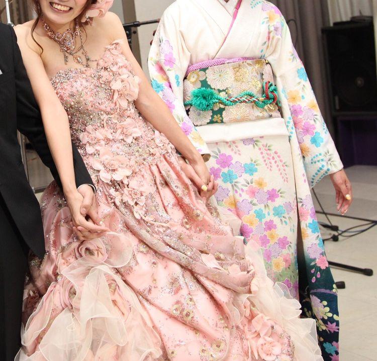 大人ピンクが可愛いステラのドレス