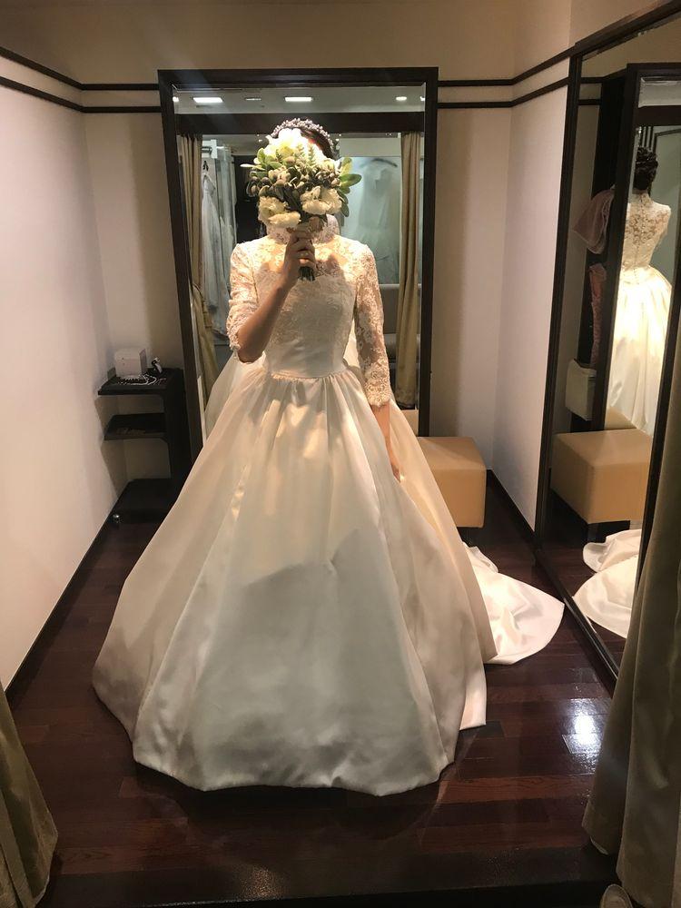 椿山荘限定のクラシカルで上品なドレス