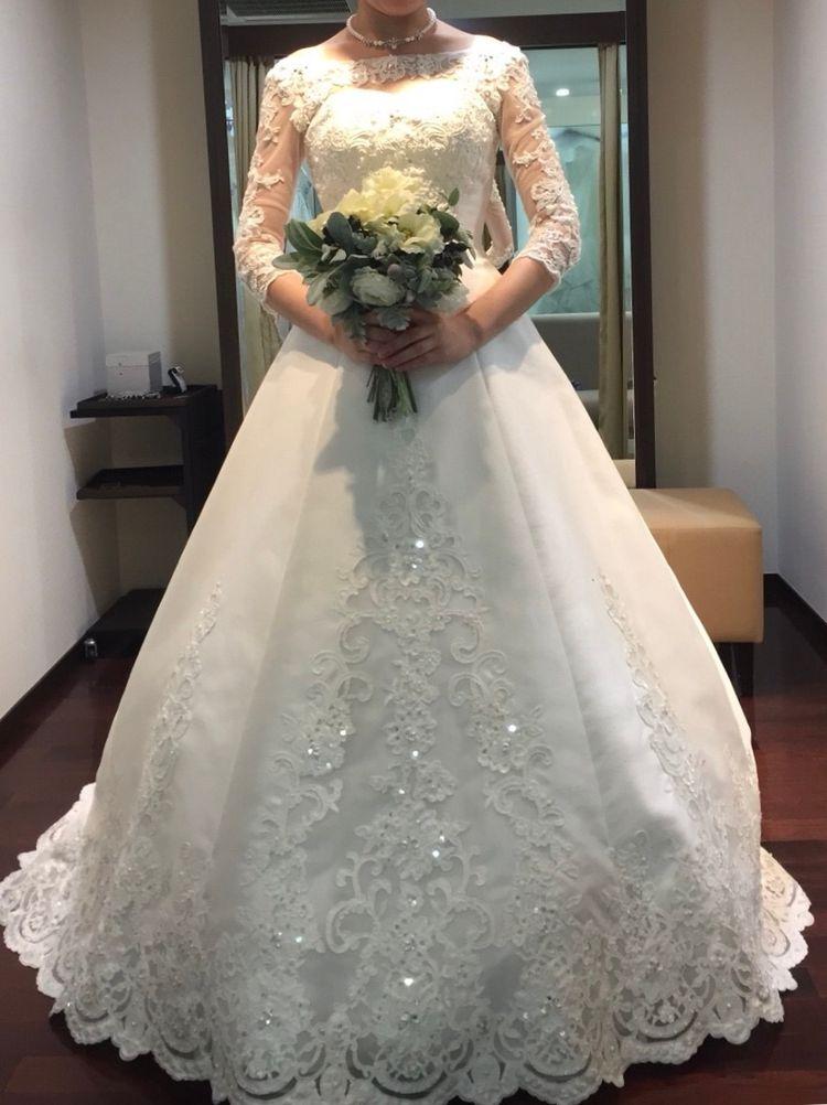 王道のクラシカルなドレス