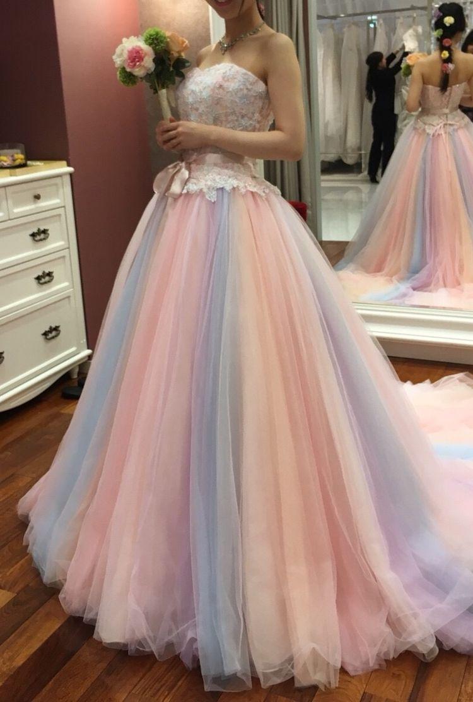 パステルカラーのフェアリーなドレス