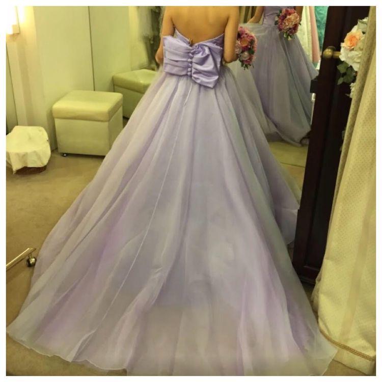 バックリボンが可愛いドレス