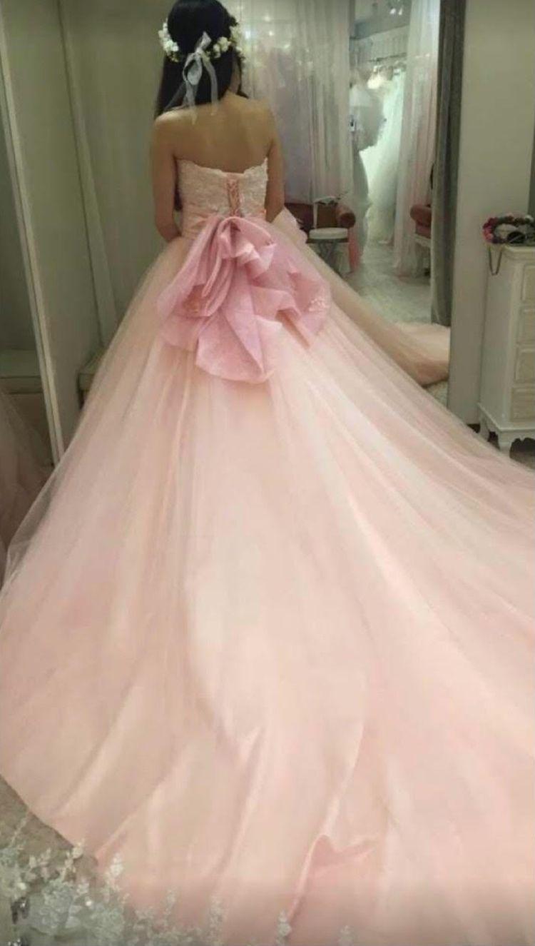 パステルカラーのキュートなドレス