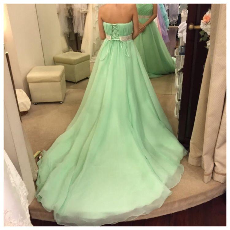 綺麗なグリーンのドレス