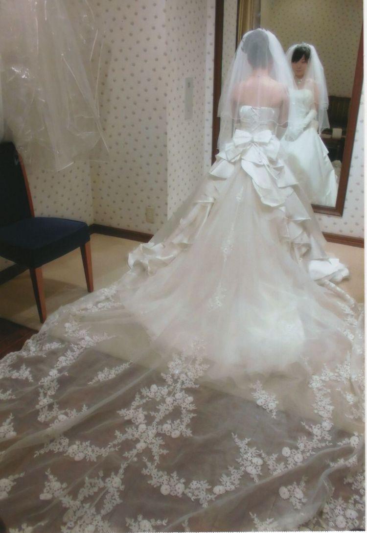 Aラインの正統派ウェディングドレス