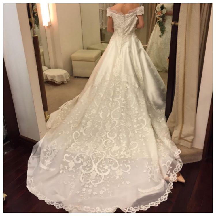 袖付きのウエディングドレス