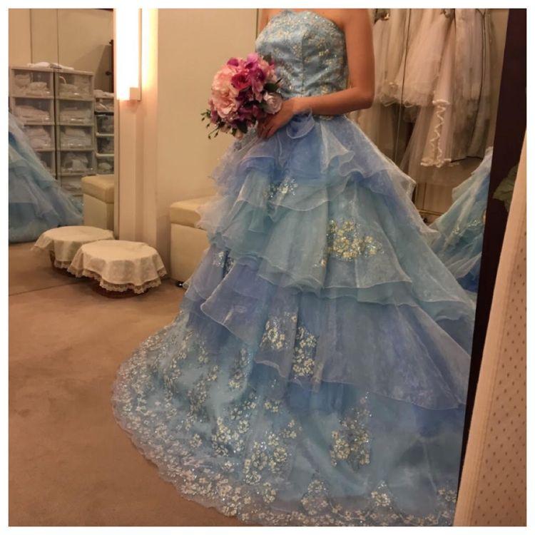 シンデレラカラーのキュートなドレス