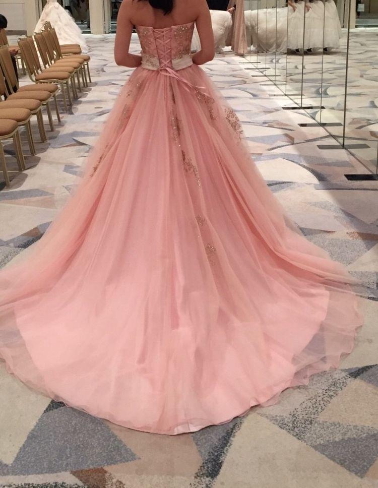 ゴージャスなピンクのカラードレス