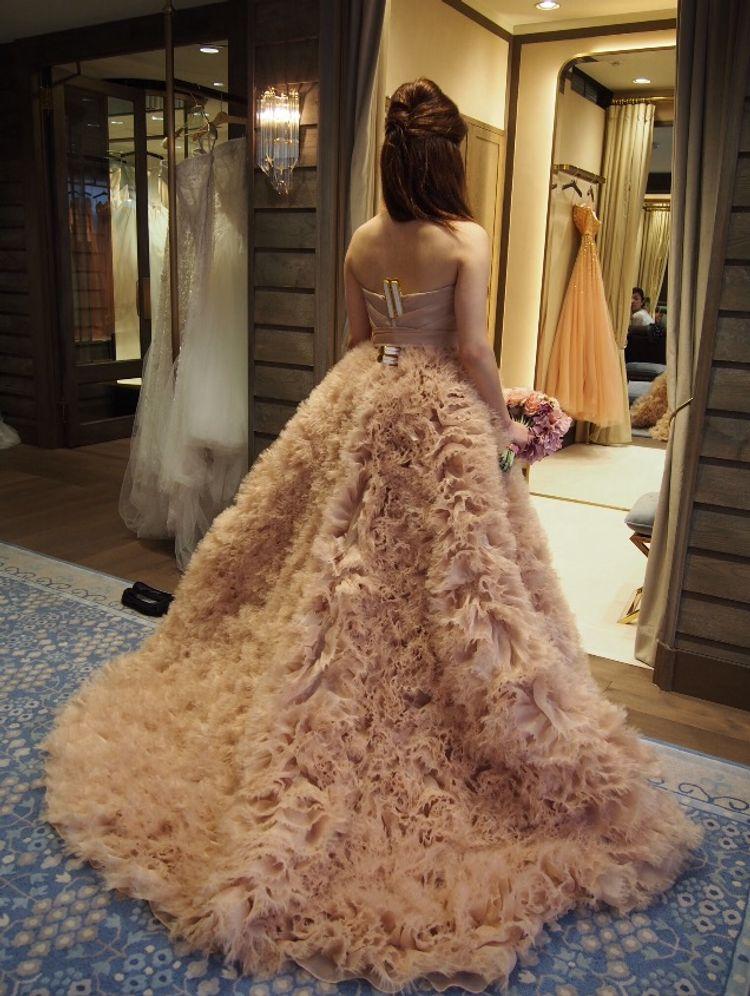ユニークでおしゃれなドレス