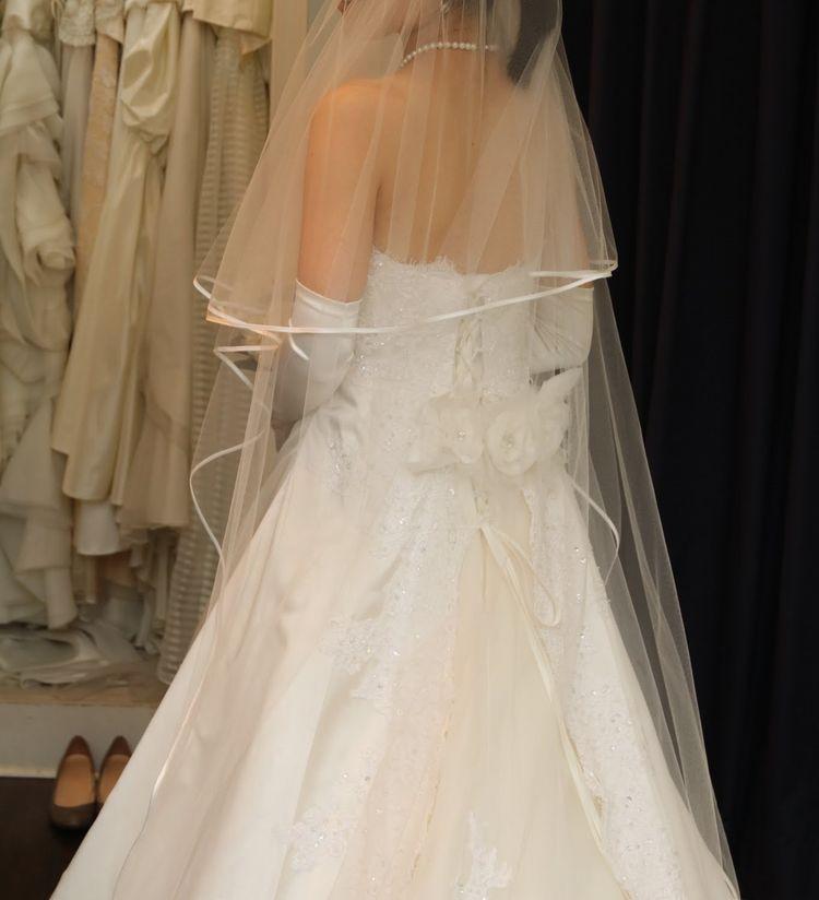 シンプルで上品なドレスを探している方におすすめ