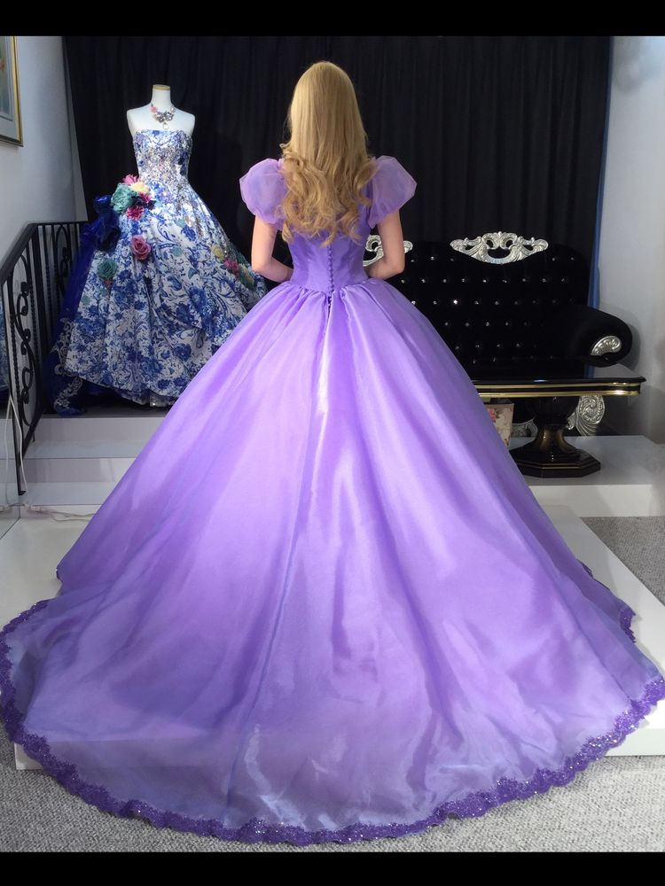 ラプンツェルのようなカラードレス