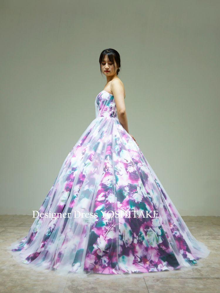 パープル系の花柄ドレスに白チュールをかけたカラードレス(パニエ付)披露宴【サンプルドレスは即現物購入可能/オーダーの場合は制作期間3週間から6週間】