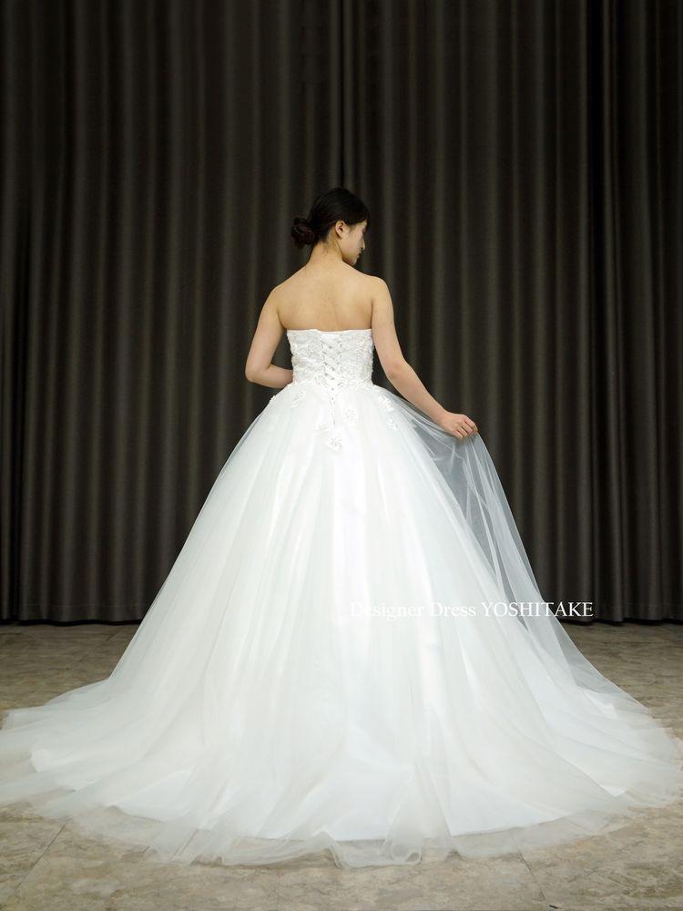 白チュールドレス/上半身レース&ビジュー(パニエ付)結婚式挙式/教会/フォト婚【サンプルドレスは即現物購入可能/オーダーの場合は制作期間3週間から6週間】
