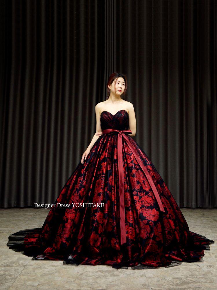 赤黒花柄にブラックチュールをかけたカラードレス.お色直し.撮影.演奏会.発表会【サンプルドレスは即現物購入可能/オーダーの場合は制作期間3週間から6週間】