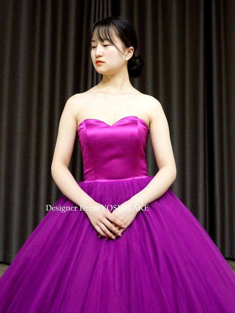 上半身サテン&スカートチュール紫プリンセス(パニエ付)披露宴/フォト婚/演奏会【サンプルドレスは即現物購入可能/オーダーの場合は制作期間3週間から6週間】