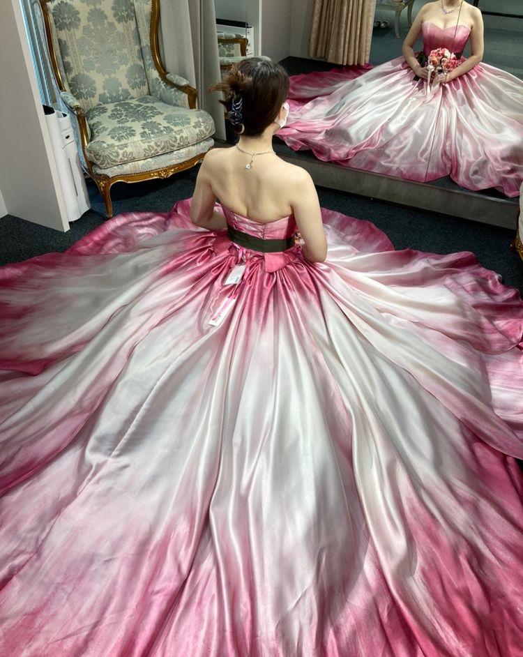 チューリップそのものになれるドレスです