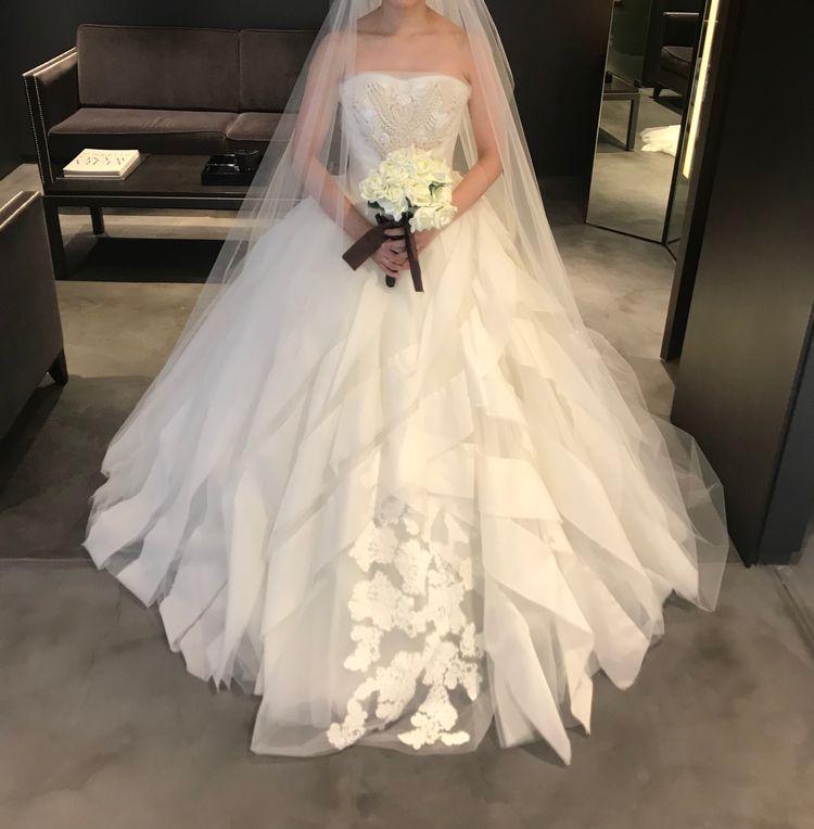 憧れるドレス、パニエなしとは思えないボリューム!!