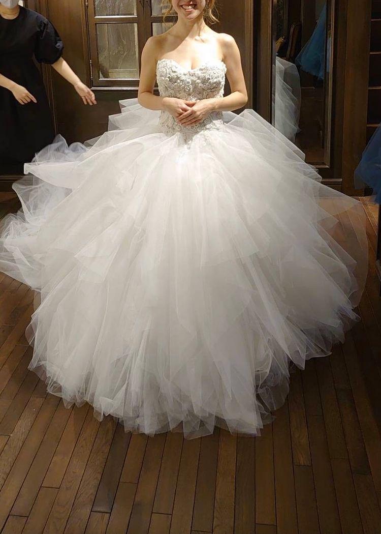パーティーにぴったりな華やかドレス
