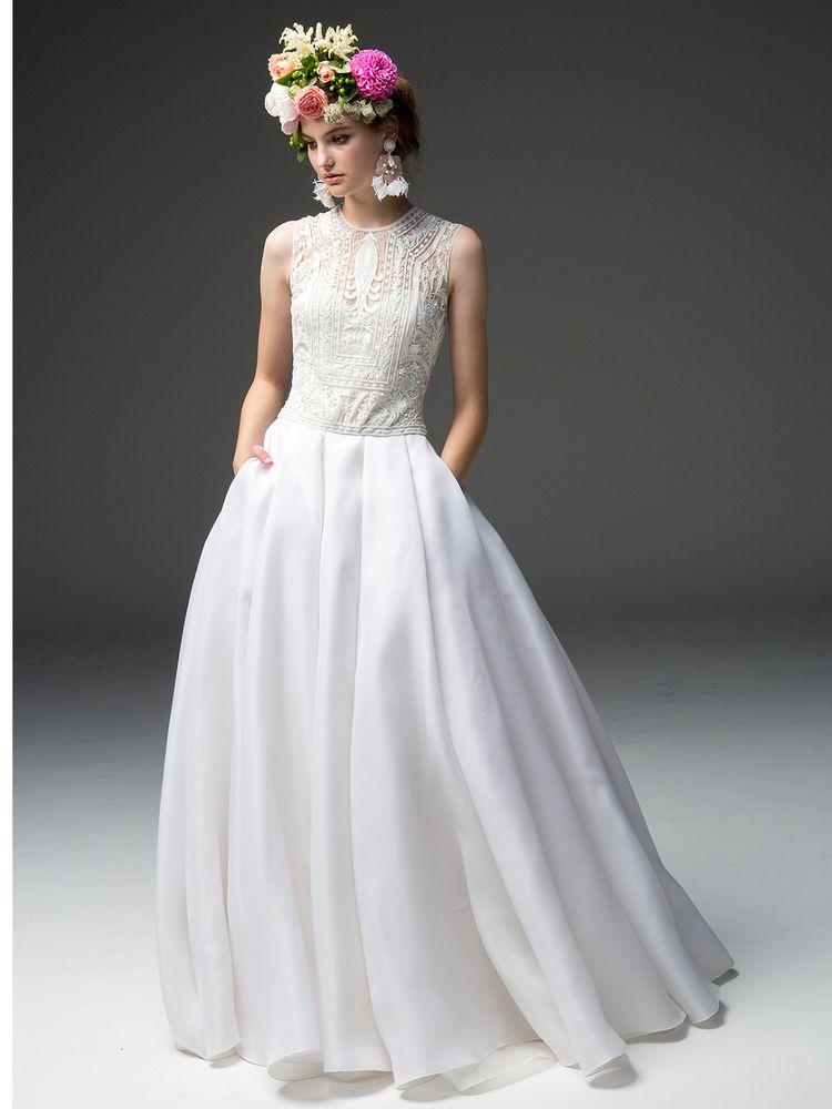 クラシカルな上品さが魅力のドレス(NK232)
