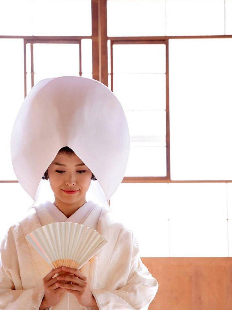 和装の王道 白無垢はおごそかな佇まい