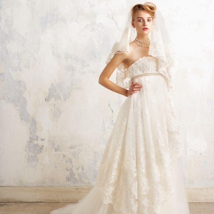 注目のエンパイアラインドレス♡花嫁から人気のワケとは?