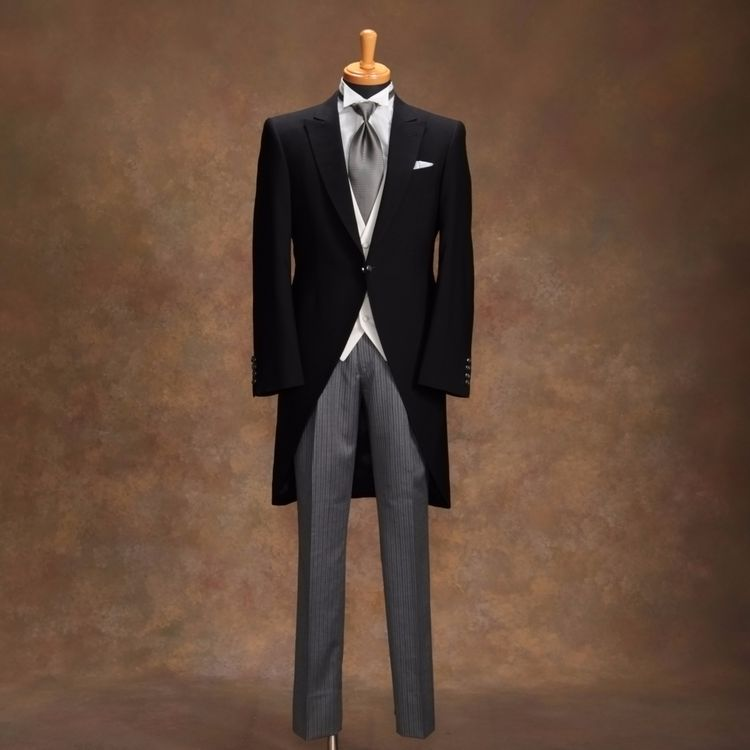 ご家族と共に絆を深める衣裳選びができるのは、大型店舗だからこそ