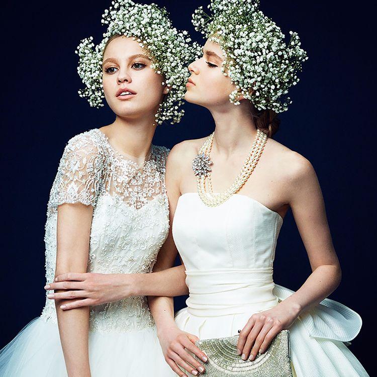 """時を超えても愛され続けるドレスショップに ふさわしいドレスを揃えること。  それは、本物であり、流行り廃りがなく 何年たっても古さを感じないドレスであること。  一生に一度の最愛の日を彩る為に、 世界中を駆け巡り出会ったデザイナーたちのドレスは まさに私たちが思い描いたドレスです。  """"花嫁になる日、それは女性が人生の中で最も美しく輝く瞬間""""  その想いを大切に、elegant & luxuryなドレスを 取り揃えています。"""
