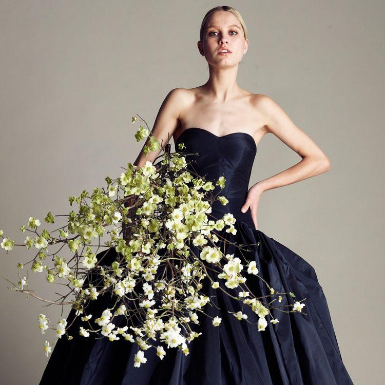 セントマーガレット中にある、おしゃれな花嫁さまのために美しいドレスを提出しているST.MARGARET dress salon by JUNO