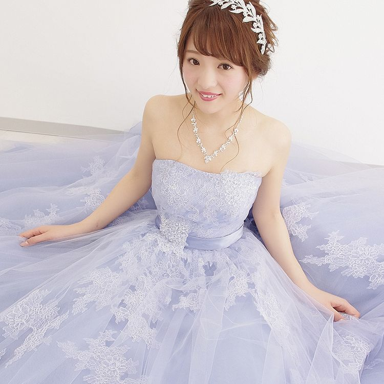 経験豊富なスタッフが、お好みやご予算に応じてあなたにピッタリのドレスをご提案させていただきます。