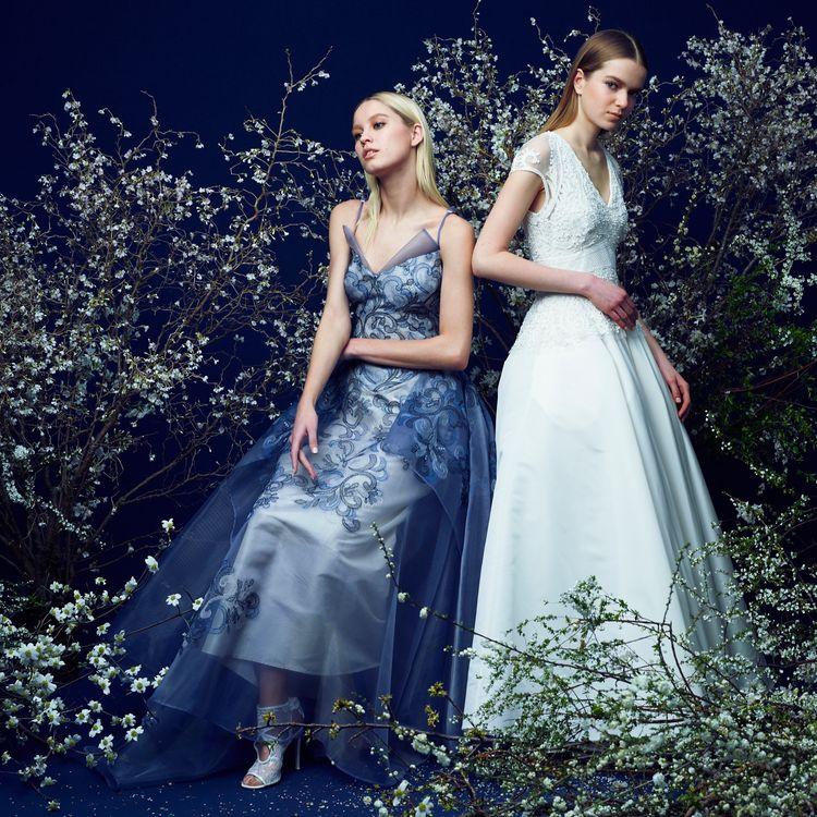 """時を超えても愛されるドレスショップに。  一生に一度の最愛の日を彩るために、世界中を駆け巡り出会ったデザイナーズドレスは まさに私たちが思い描いたドレスです。  """"花嫁になる日それは女性が人生の中で最も美しく輝く瞬間""""  その想いを大切に、elegant & luxury なドレスを取り揃えて みなさまのお越しをお待ちしております。"""