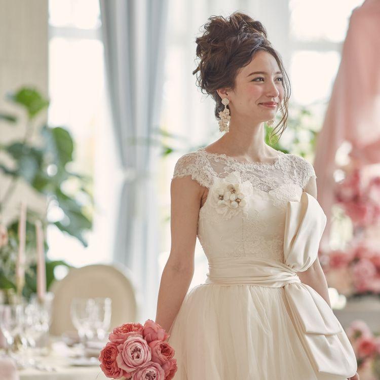 オリジナルドレスは日本の花嫁の体に合わせて作っているので着心地とデザイン性を兼ねそなえたラインナップです。