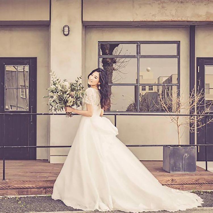 アクティブウエディングジュノウは浜松市にあるウエディングドレスレンタル、結婚式和装レンタル・成人式振袖・卒業式袴など和装レンタルなど貸衣装専門のお店です。ブランドはもとより、デザインと質感、着心地にこだわったウエディングドレス、和装を取り扱っています。