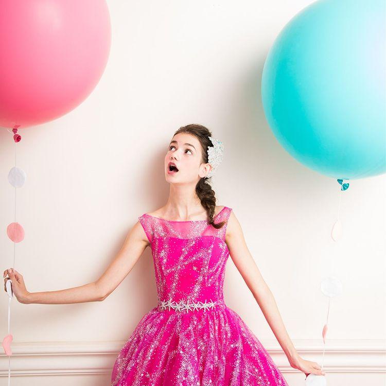 ベルヴィ郡山館内に大型ドレスサロンを併設しており、ドレスの数は地域最大級  必ずお二人の気に入る運命のドレスに出会えます。