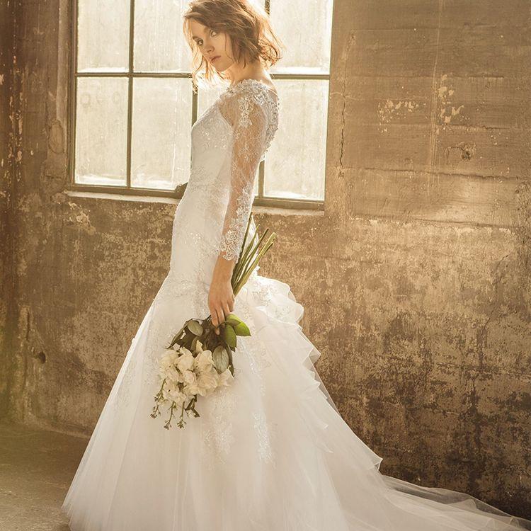 ベルヴィ盛岡内に大型ドレスサロンを併設しており、ドレスの数は地域最大級  必ずお二人の気に入る運命のドレスに出会えます。