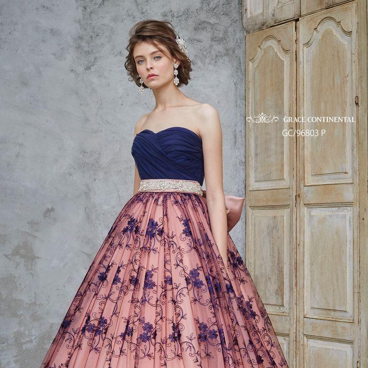 ツートンカラーがゴージャス感あふれるグレースコンチネンタルのカラードレス