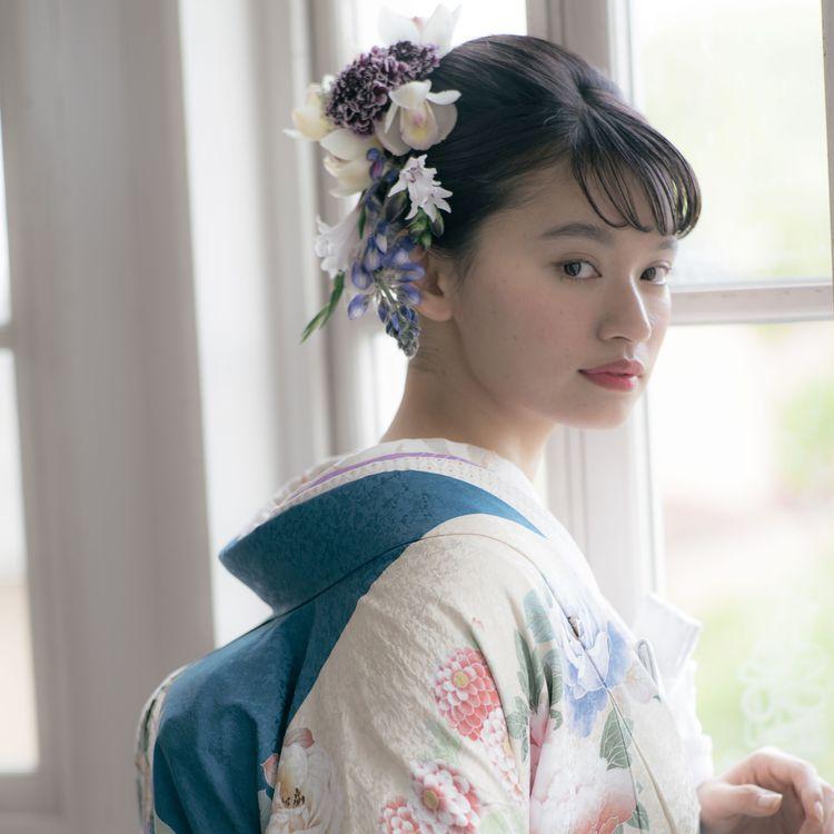《オリジナル色打掛も可愛い!》 こちらの打掛も京都の職人さんと何回も打ち合わせを重ねて 出来上がった1着です。 美しい生地の色や柄を是非お確かめくださいませ。