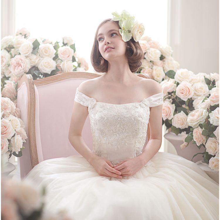 伊勢丹新宿店オリジナルブランド Finono Couture のドレス。