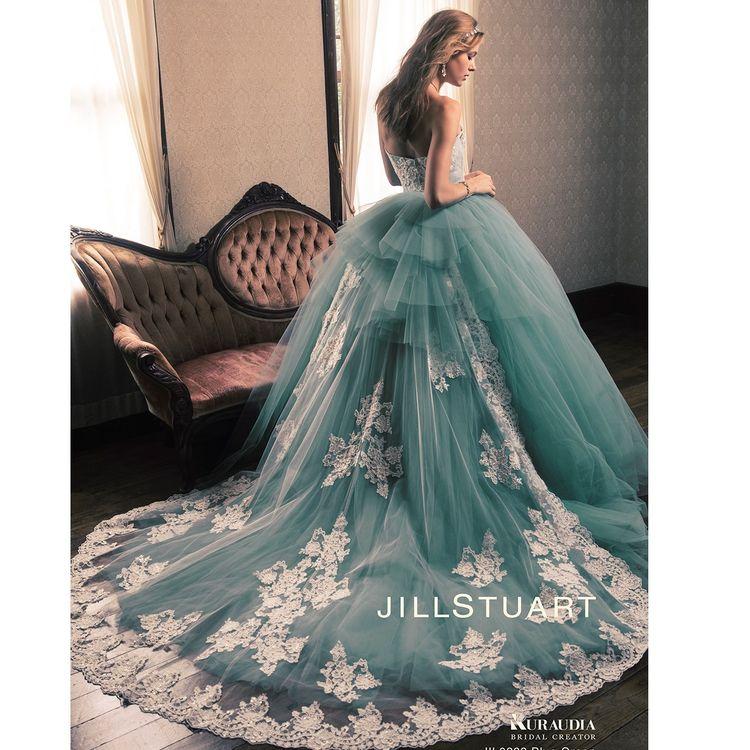 人気ブランドのドレスや新作ドレスを多数取り揃えております。 可愛らしいデザインから大人っぽいデザインまで、幅広い品ぞろえが魅力です。