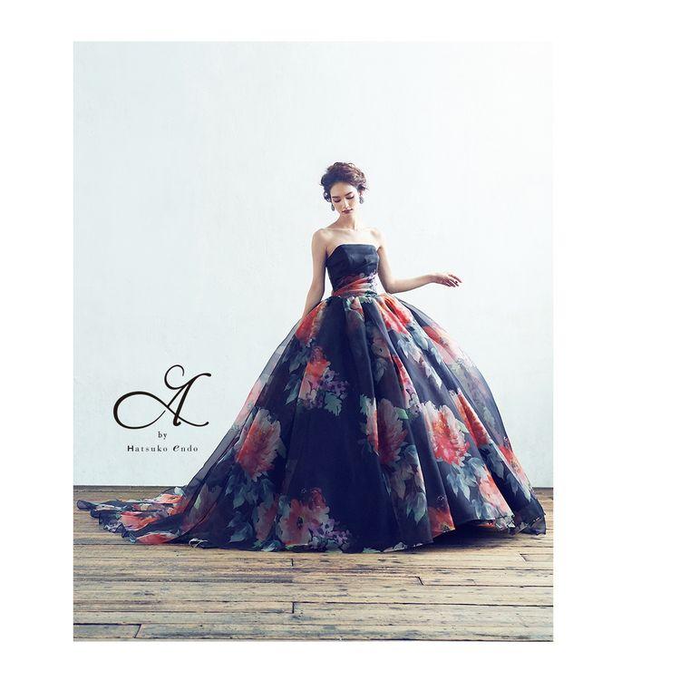 ☆入荷いたしました☆ インスタでも大注目のA by Hatsuko Endo シンプルなのにとびっきりゴージャスで上品…  惜しみなくふんだんにギャザーを寄せたスカートは歩くたび フワフワ揺れて花嫁様の気持ちもどんどん上がりますよ♪