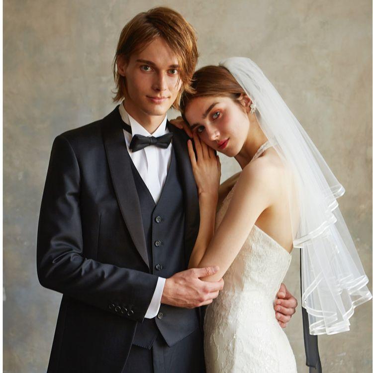ドレス選びからアクセサリーなどの小物、ブーケまで、スペシャリストが一人の花嫁をトータルにコーディネートいたします。 理想を叶えて笑顔輝く花嫁を拝見するのが、私たちの何よりの喜びです。