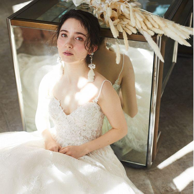 SPAIN・ITARIA・LA・NEW YORKなど世界各地からオーナースタイリストが買い付けた『drerich』にしかないオリジナルのインポートブランドドレスセット(ドレス・パニエ・パンプス)が3泊4日で49800円からレンタル