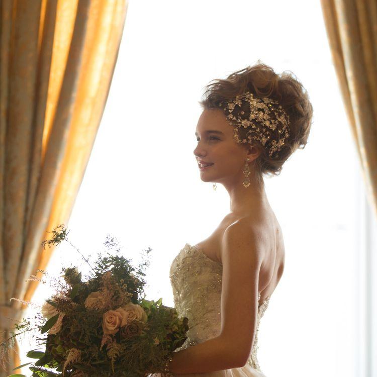 ◎アクセサリーALL Free◎ TAGAYAでは全てのアクセサリーを無料でレンタルして頂けます。 アクセサリー選びは衣装選びと同じくらい大切なもの。 花嫁様にとっておきのアクセサリーをお選び頂きたいという想いがあるからです。 専属スタイリストがオンリーワンのご提案をさせて頂きます。