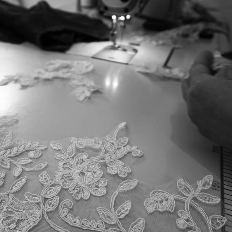 ドレスの制作リポートでアトリエの様子などアップしています。