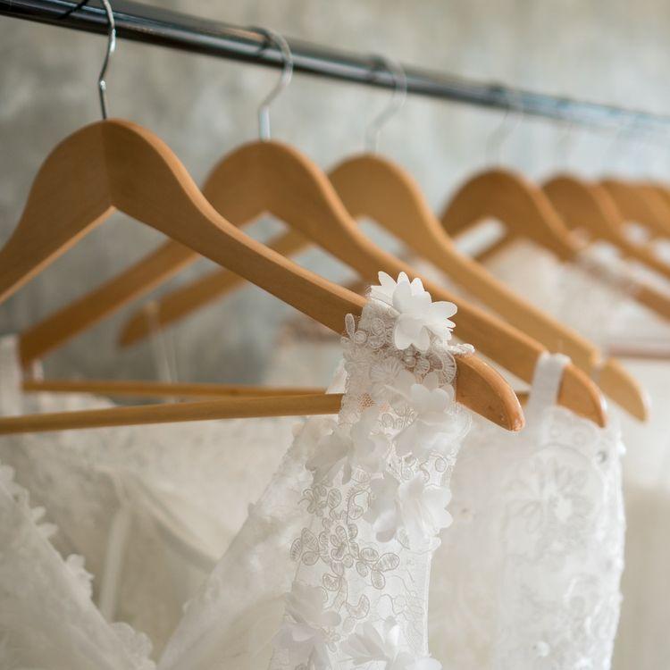 |圧倒的な衣裳数 Aライン、マーメイド、エンパイア、プリンセスと、各種様々なドレスを取り揃えております。